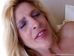 Super sexy old spunker loves to fuck her juicy pussy 4 U