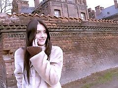 Kalės Užsienyje - rusijos brunetė į PRF 18 yo cuby užsienyje