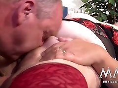 Amateur 69 pron with peeing German Granny