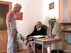 Hot insex whipping in white stockings rides his angry cock