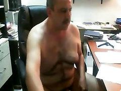 Daddy tommy gunn slave having fun at office