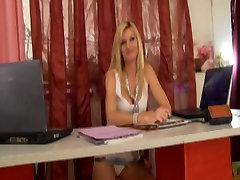 Slut mature blonde fucking in office
