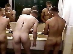 spy cam : period xxxnx karinės vaikinai