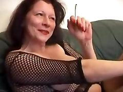 brandžios motinos rūkymas erzinti