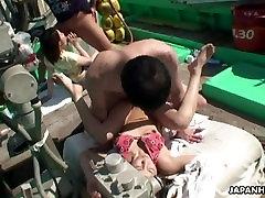 آسیایی, ماهیگیران گرفتن برخی از پرندگان آنها قایق فاک
