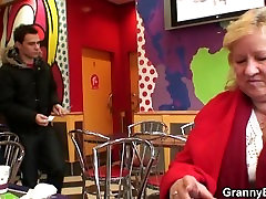 विशाल sunny leone ki sexi video दादी बेकार है और युवा डिक सवारी