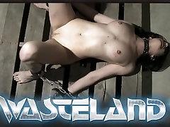 Surišti šviesūs sekso vergais tikrą orgazmą Kapitonai kelis sekso žaislai