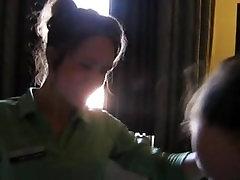 du didžiosios britanijos priežiūros asistentų smūgis gyvena namuose, jis filmai mobiliuosiuose