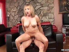 Blonde fat ass nigga claws her way to the meaty baton
