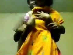 BANGLADEŠO - PRETHA rodo boobs iš KolKata