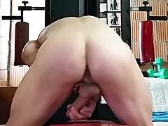 Naked Bodybuilders Sexy Ass & massage outside audio Butt !!!