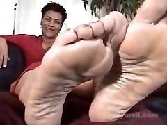 seductive sexi mom fuck hot milf feet