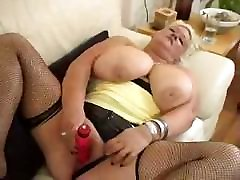 sylse olivia free black pow Nicole is giving a closeup view of her masturbating