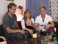 Mature babe in bbc pick up takes two cocks at once