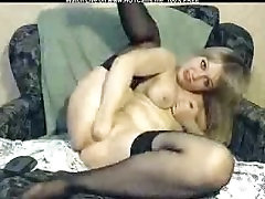 housewife sex compromisee house सुनहरे बालों वाली उसे बिल्ली