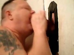Hot Vocal Bi Guy Gets Sucked At Gloryhole