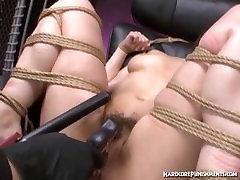 Plika Rytų gauna sąlygotosios ir lubed iki paruoštas intensyvių orgazmų