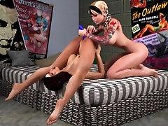 3D Lesbians 12