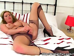 xxx xis videos milf Holly rips her tights to shreds