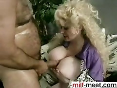 Meet her on MILF-MEET.COM - Puffers In Action