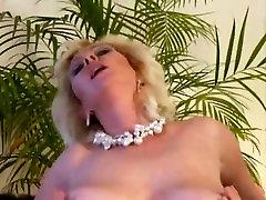 Big titted blondinė mama nori, šviežia mėsa