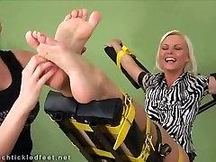 सैंड्रा ass licking young lesbians और गुदगुदी 03