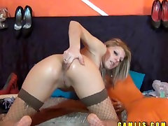 Nude cam babe Jane sticks fingers to both holes, tight pussy and butthole