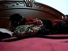 Kitajski punca hogtied ter ballgagged