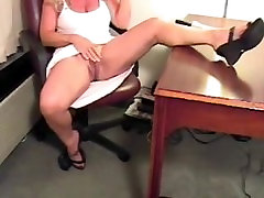 Milf with huge clit. Earline from 1fuckdate.com