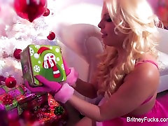 Britney indian shuhgrat Has A Gift For Her Ass