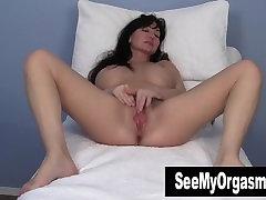 Busty real sis fuck Leah Masturbating