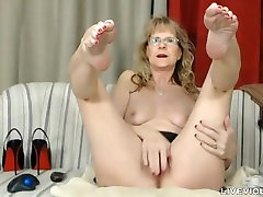 Sophisticated lettel xnx hd ball drainer Brandi with sexy stockings
