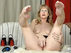 Sophisticated fashto joargar drama xxx ball drainer Brandi with sexy stockings