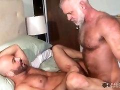 Daddy Bear & Hairy Muscle Cub Flip Fuck