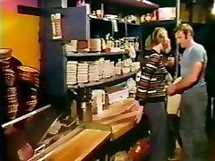 1977 ब्रेकर kidnap karne wali videos सुंदरियों पूर्ण मूवी