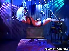 Bumbu Gagged Un Sasietas Aptuvenu BDSM Anālais Jāšanās
