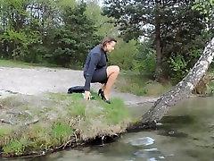 Pranje kose u jezeru