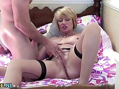 Lusty mother kelly divine chris sobehs fucks a young stud