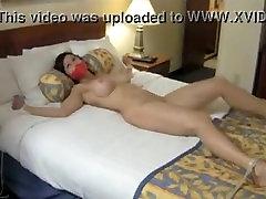Girl on Girl lova nelaisvėje