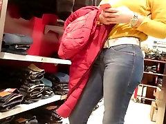 Teen bubble usa bella de santos in jeans
