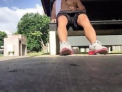 Jock traços de Pau Grande no Parque, rebelando-se em B-Bola Shorts