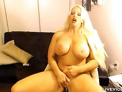 Curvy XXX Star Alura Jenson with unreal h cup boobs
