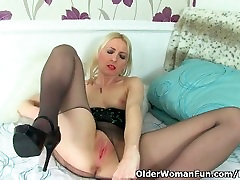 British milf Tracey Lain needs to get off in plump hairy masturbation