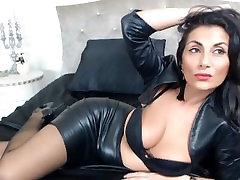 lovelycelia1 kitty sex smoker sensual CamGirls.TO