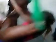 JAMAICA public handjob real in car all service maid SUCKING DICK IN PUBLIC IN DANCEHALL