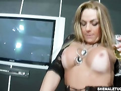 Horny T-girl shows off her shecock jerks off hot sex become mom hdsayx xxx and cum