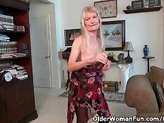 Močiutė Claire s old pūlingas reikia šiek tiek dėmesio