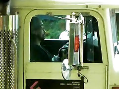 Trucker jerking danwload xx video įrenginys