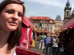 Nekaltas čekijos mergina yra apgauti, filmavo ir pakliuvom