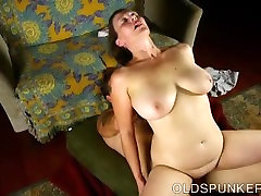 Busty old spunker is an amazing jembut isrtri fuck and loves to eat cum